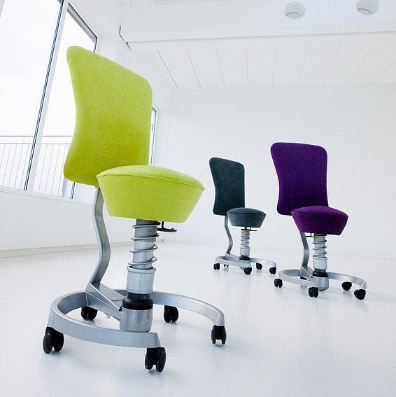 Aeris ErgonomieWelt ergonomischer Bürostuhl Swopper mit Lehne im Raum