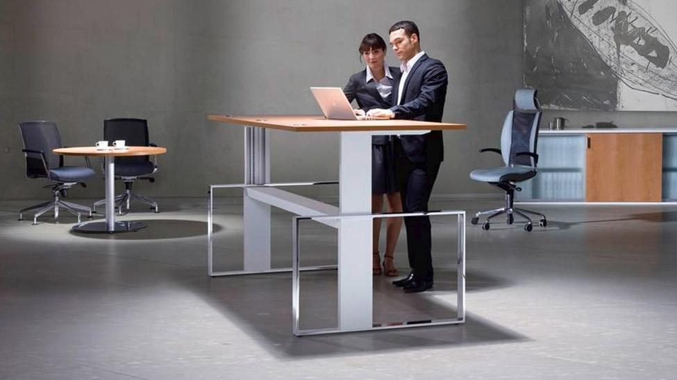 Höhenverstellbare Steh Sitz Tische