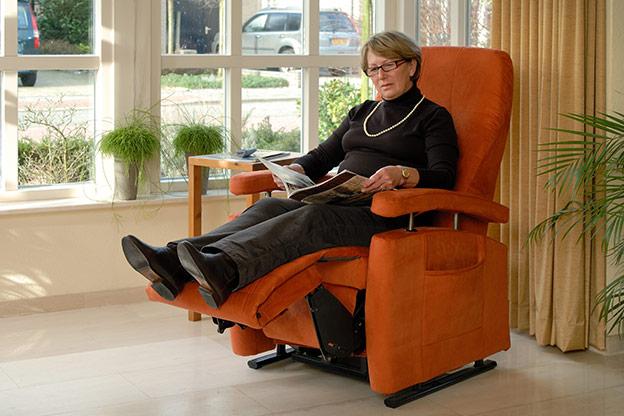 ErgonomieWelt Magazin Fitform Aufstehsessel Orange Galerie Relax