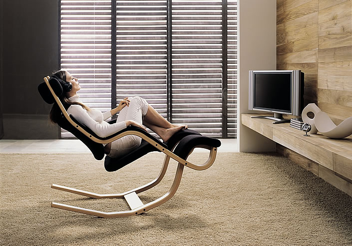 EW Magazin Varier Gravity Entspannungssessel Position 3